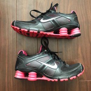 Nike Shox Flywire size 8.5